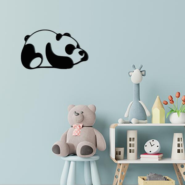 Plaque murale en métal panda dans chambre d'enfant noir