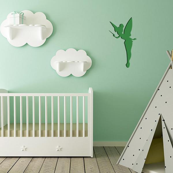 Plaque murale métal fée dans chambre d'enfant en vert