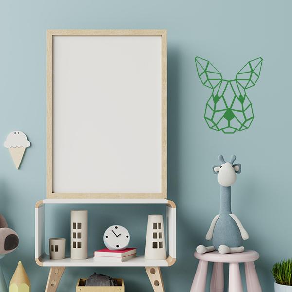 Plaque murale en métal tête de lapin dans chambre d'enfant en vert