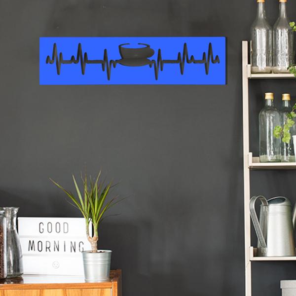 cadre murale en métal tasse de thé dans cuisine en bleu