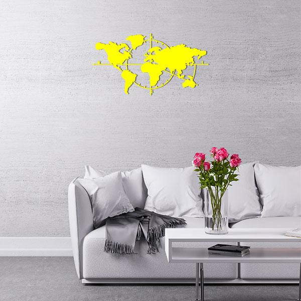 plaque murale metal carte du monde jaune salon
