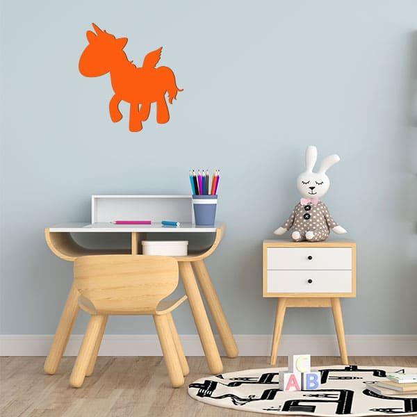 Plaque murale metal licorne ailee salon orange