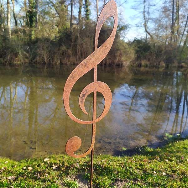 décoration jardin métal rouillé cle musique