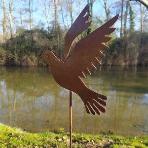 décoration jardin métal rouillé pigeon