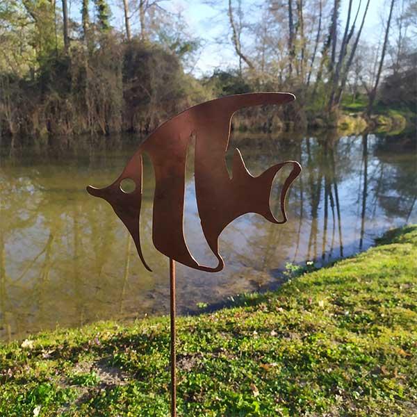 décoration jardin métal rouillé poisson