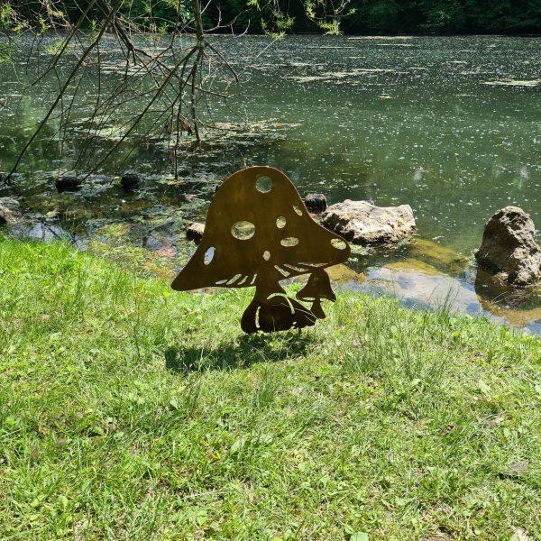 décoration de jardin en métal rouillé petit et grand champignon