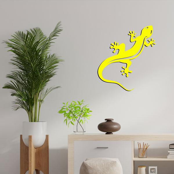 plaque murale en métal Gecko Salamandre jaune dans le salon